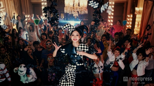 ともちんこと板野友美 新曲「COME PARTY!」がK-POPのパクリ疑惑 「リメイク作品でありパクリではない」4