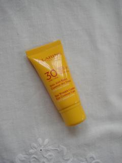 clarins eye uv2