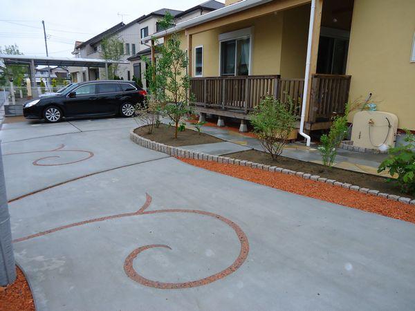 完了駐車場