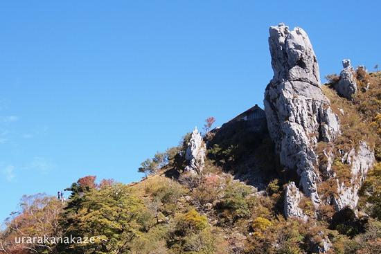 大剣神社と御神体の御塔石