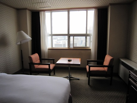 奥はやや日本の旅館風