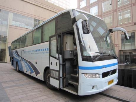 無料バスで上海へ