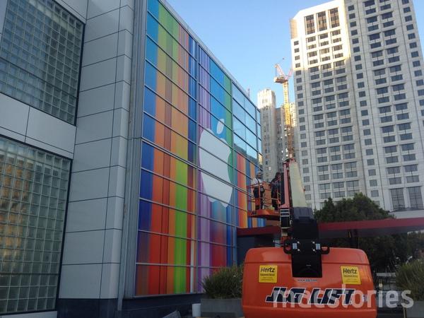 iPhone 5、iPad Mini、iMacなどの発表に向け会場をカラフルに装飾中 in サンフランシスコ5