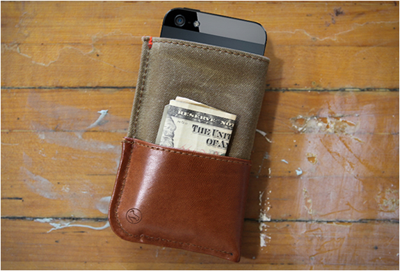 iPhone 5 WALLET BY DODOCASE
