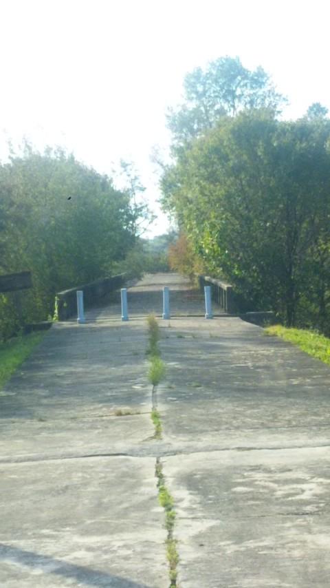 帰らざる橋