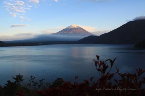 本栖湖から富士山(夕)