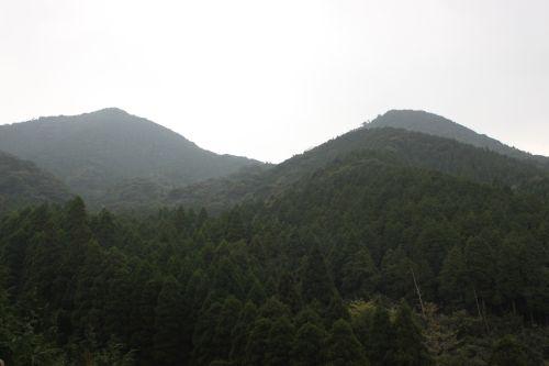 女岳と矢筈岳