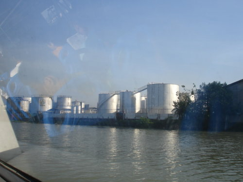 pasig-ferry-pandacan-oil-depot.jpg