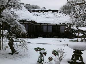 雪の浄智寺