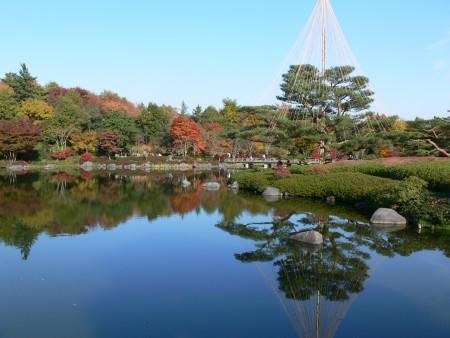紅葉の日本庭園1125td