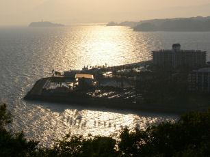 江ノ島と夕陽0429a