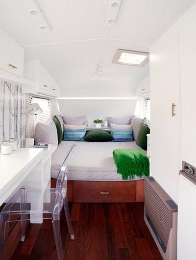 minimalist-bedroom-caravan-ideas.jpg
