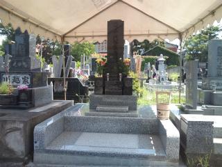 sお墓完成。