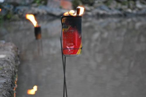2012年火祭り  火の缶