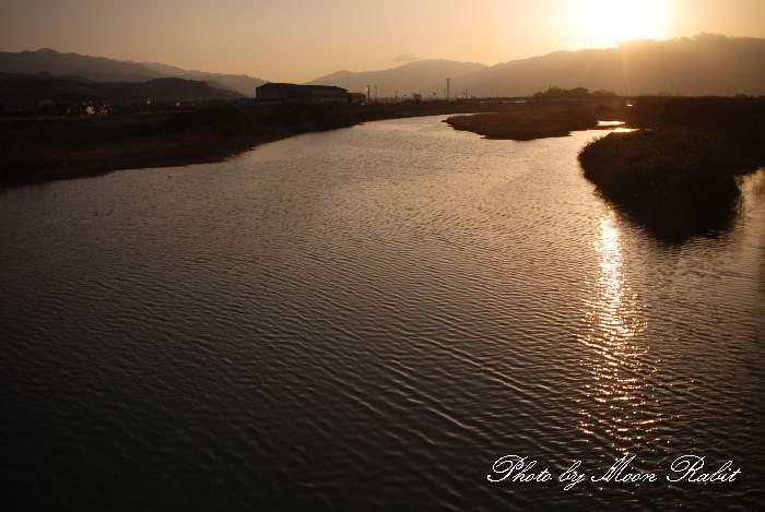 西条市 中山川の夕景色 新兵衛橋近く 愛媛県西条市新兵衛