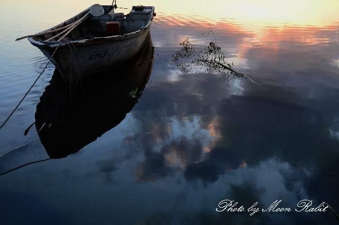 西条市 小船 加茂川河口の夕景色 愛媛県西条市古川
