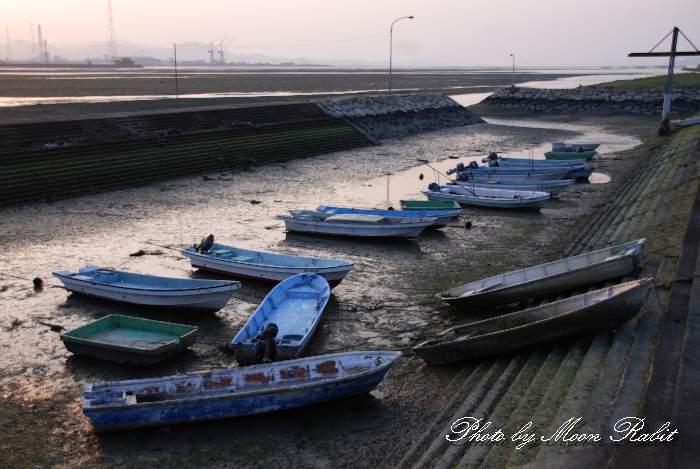 西条市 加茂川河口の漁船 愛媛県西条市古川