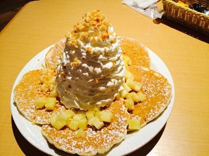 EGGS'N THINGS 福岡天神店 ホイップクリームパンケーキ