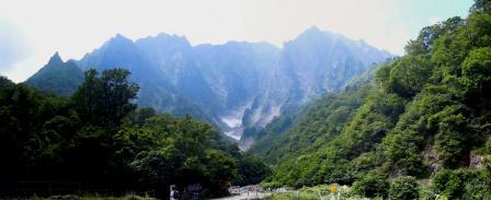 谷川岳 一の倉沢 全容