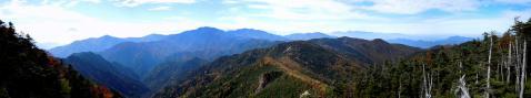 一体の山からアルプスまでの眺望@甲武信ヶ岳