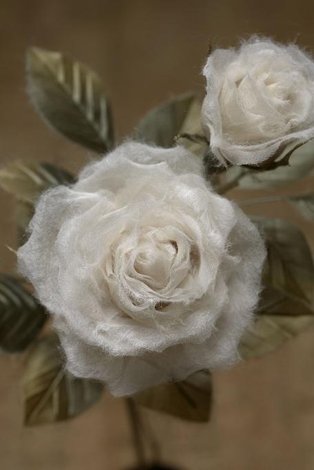 透ける和紙の薔薇