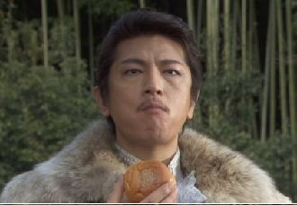 なんか、きてれつないでたちの小五郎はんより ポチしてね