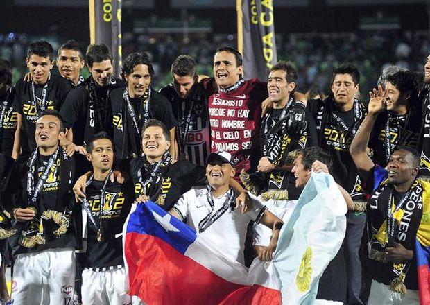 Jugadores-Monterrey-Campeones-Concacaf-EFE_ECMIMA20120426_0002_4.jpg