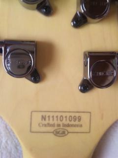 インドネシア製のエレキギター