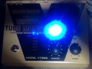 ベリンガーVT999青色ダイオード強すぎる