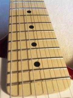 プレイテックST250メイプル指板の表面