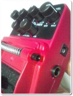 ベリンガーエフェクター電池交換2