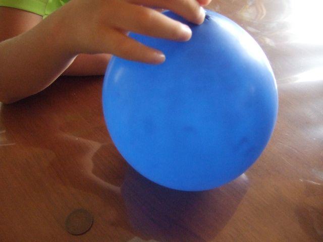 夏休み 小学生 夏休み ドリル : 風船を芯にした紙粘土の貯金箱 ...