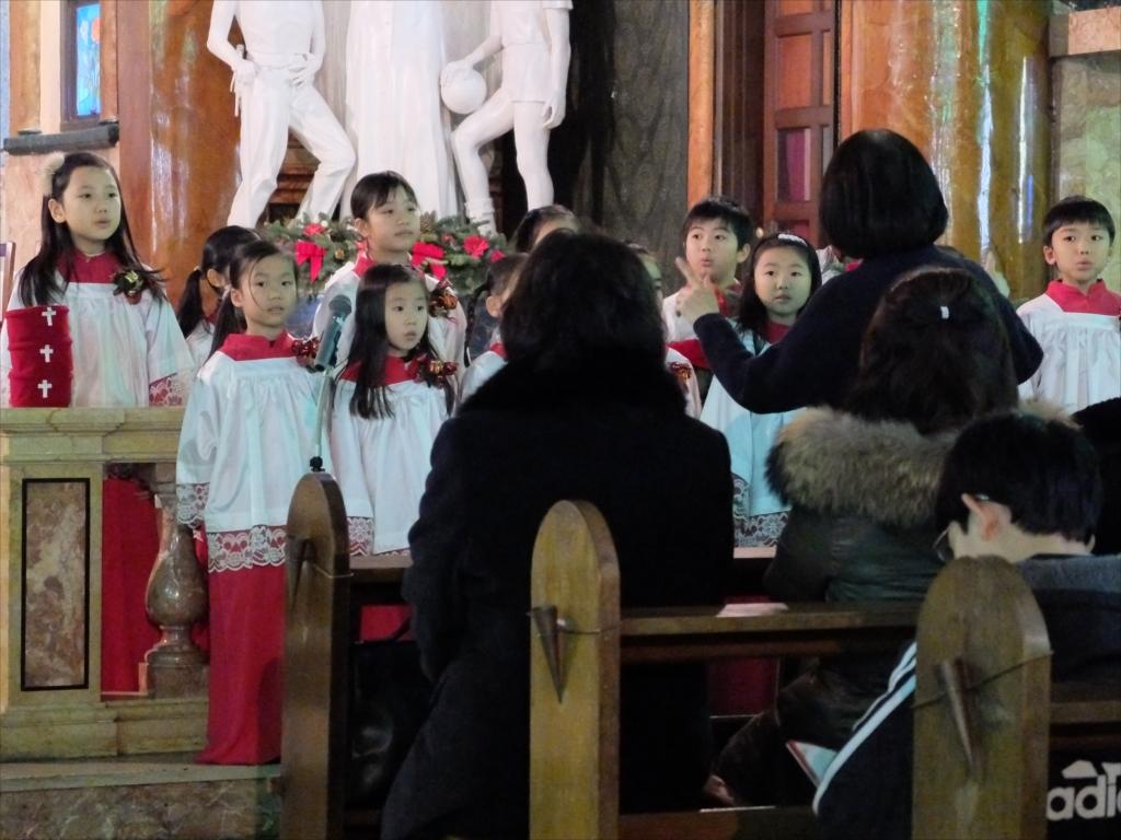 星美学園小学校の聖歌隊_2