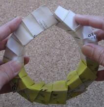 リース型紙マラカス 作り方10