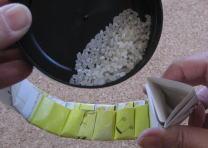 リース型紙マラカス 作り方11