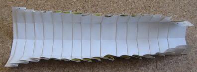 リース型紙マラカス 作り方4