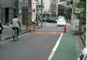 歩車共存道路の事例2ハンプ