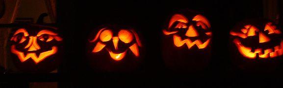 577px-Scary_Halloween_pumpkins.jpg