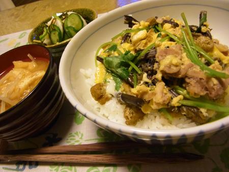 4わらびと豚肉の卵とじ丼定食