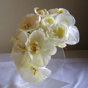 二種類の胡蝶蘭とローズのウエディング髪飾り