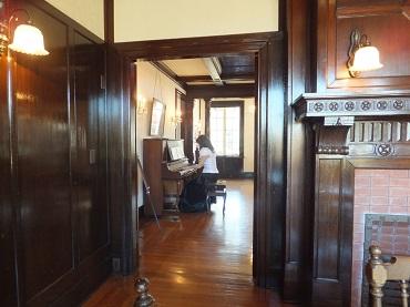 ボランティアのピアノ演奏