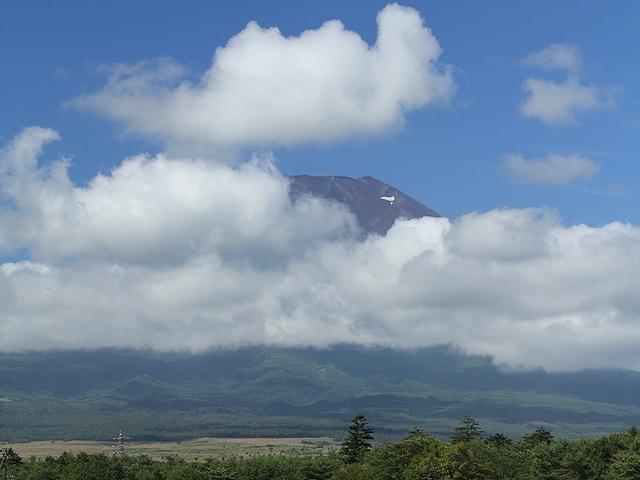 朝9時前の夏富士 すでに雲だらけ