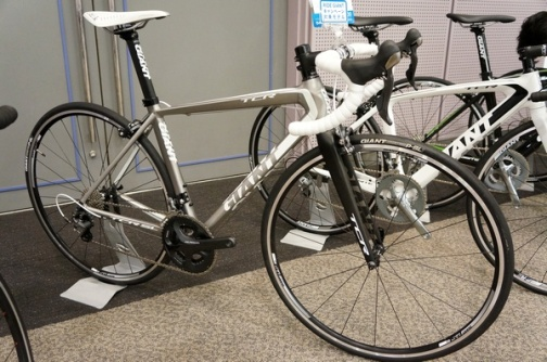 2013-GIANT-TCR-SL-1.jpg