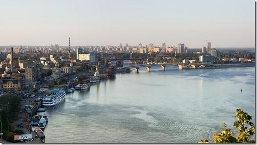29【世界の射精から;ウクライナ編5キエフ】北緯50度の天使達Dniepr_river_in_Kyiv