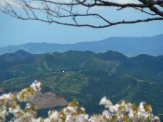 男体山からの太郎山