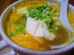 [写真]耐熱スープカップで作った一口豆腐鍋