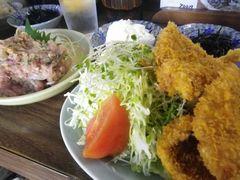 [写真]富津・さすけ食堂のアジフライ定食とアジのなめろう