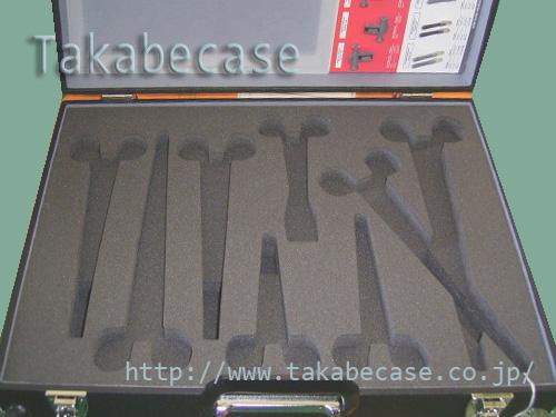 ハードケース ルーター加工例 (ハサミ用)