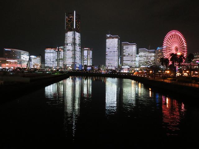 TOWERS Milight~みなとみらい21 オフィス全館ライトアップ 2012